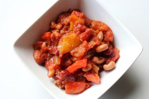 Slow Cooker Five Bean Vegetarian Chilli Recipe Thumbnail